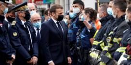 Macron zet extra militairen in om kerken en scholen te beschermen, ook in Lyon en Sartrouville zijn mannen gearresteerd