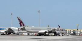 Qatar biedt excuses aan nadat vliegtuigpassagiers werden onderworpen aan inwendig onderzoek