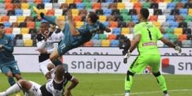 Zlatan doet het op zijn 39ste weer voor Milan met acrobatische winning goal in slotfase