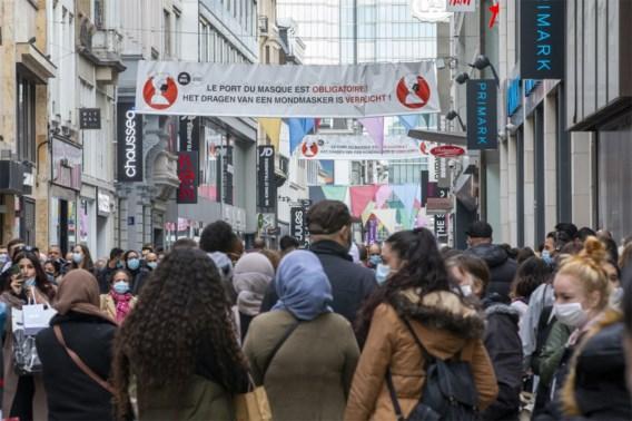 Ministers en experten teleurgesteld door drukke winkelstraten: 'Het is gevaarlijk'
