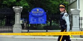 Man in middeleeuws kostuum doodt twee mensen in Quebec