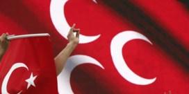 Frankrijk verbiedt officieel Turkse Grijze Wolven, Turkije noemt het 'provocatie'