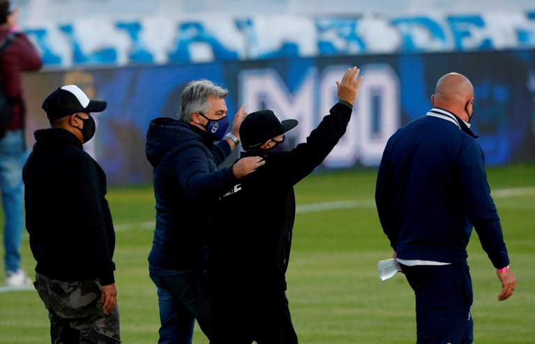 Diego Maradona met succes geopereerd na hersenbloeding