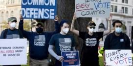Op straat in Washington: 'Tel alle stemmen!'