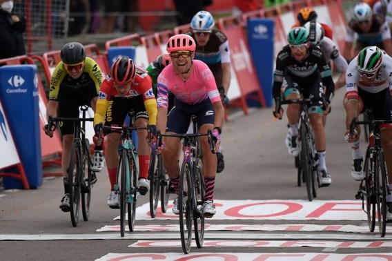 Deen Magnus Cort Nielsen klopt Alejandro Valverde nipt in de spurt
