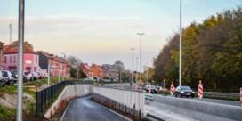 Na acht jaar weer fietspad langs Lüdenscheidsingel