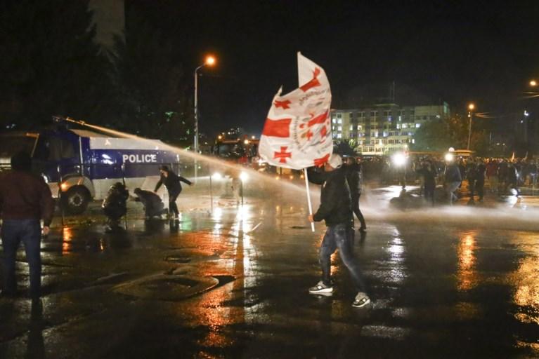Tienduizenden betogers eisen nieuwe verkiezingen in Georgië