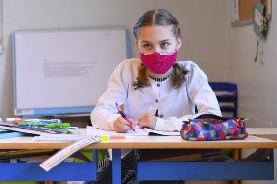 Sterke stijging besmettingen in de scholen