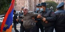 Woedende Armeniërs bestormen parlement na vredesakkoord