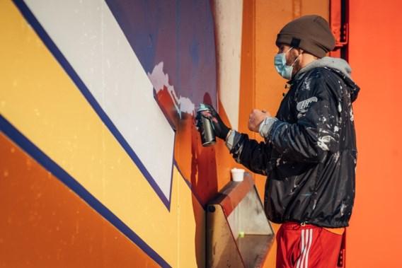 Matthias Schoenaerts creëert graffitimuur in Antwerpse gevangenis