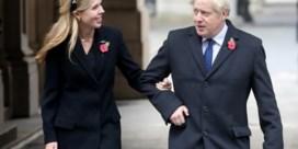 Wie draagt de broek: de premier of zijn verloofde?
