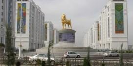 Favoriete hond van Turkmeense president krijgt gouden standbeeld
