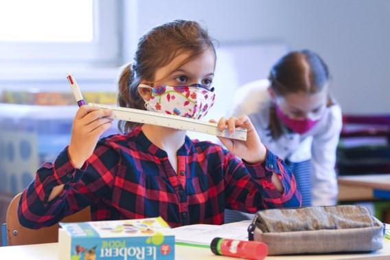 Socialistische vakbond vraagt mondmaskers in lager onderwijs
