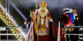 Sinterklaas geeft geruststellende toespraak: 'Dit jaar geen stoute kinderen'