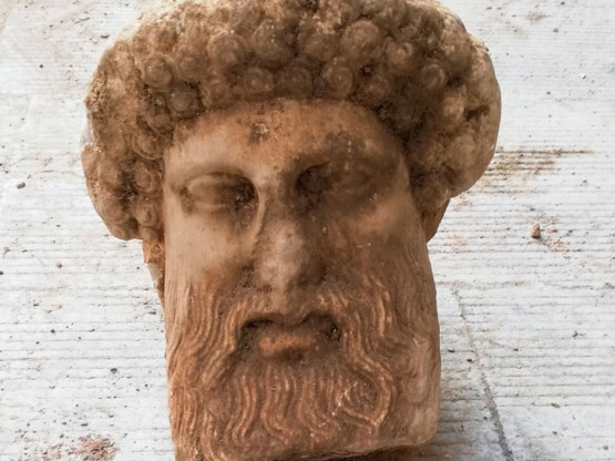 Hoofd van god Hermes gevonden in Athene