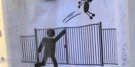 'Kinderen niet over schoolhek gooien a.u.b.'