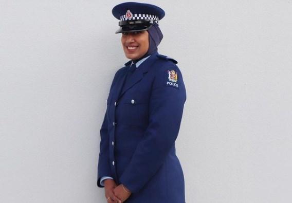 Nieuw-Zeelandse politie presenteert uniform met hoofddoek