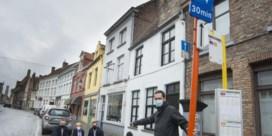 Kortparkeren is in Brugge voortaan écht gratis, maar sensoren controleren parkeerduur