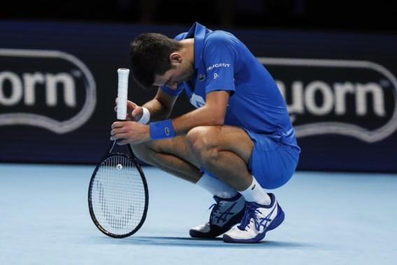 Medvedev laat Djokovic een poepje ruiken en plaatst zich voor halve finales op ATP Finals