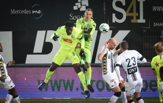 Offensief onthoofd Gent grijpt de drie punten tegen Charleroi dankzij cadeautje van Dessoleil