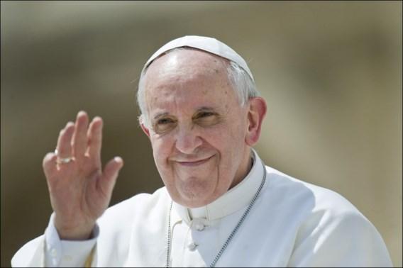 Vaticaan onderzoekt hoe Instagramaccount van paus foto van model likete
