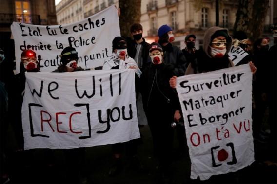 Frans parlement stemt in met wet die filmen en fotograferen van agenten aan banden legt