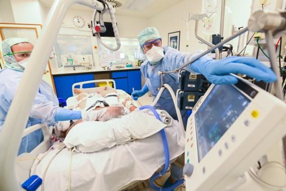 Gemiddeld aantal besmettingen, opnames en overlijdens in dalende lijn
