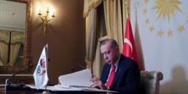 Erdogans grote coalitie kraakt in haar voegen