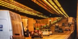 Kennedytunnel krijgt grondige opknapbeurt: asbestwanden weg, ledverlichting komt