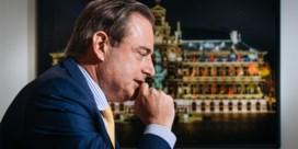 De Wever wijst uitgestoken hand Lachaert af