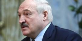 Loekasjenko stelt aftreden in het vooruitzicht