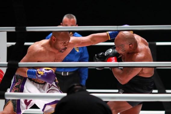 Mike Tyson (54) kan bij terugkeer niet winnen van die andere ex-wereldkampioen Roy Jones Jr. (51): exhibitiematch eindigt onbeslist