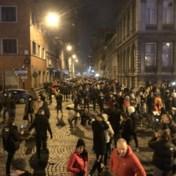 Meerdere gewonden bij betoging tegen avondklok in Luik
