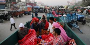 Boze boeren belegeren de weg naar Delhi