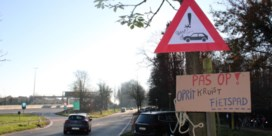 Fietsersbond plaatst zelf waarschuwingsbordjes