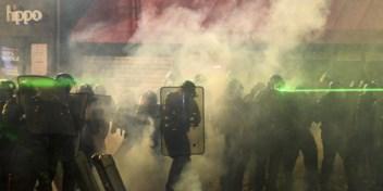 Geweld tegen Franse politie na betoging tegen politiegeweld