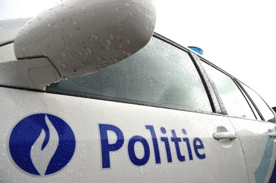 Man overleden na aanrijding op pechstrook E19