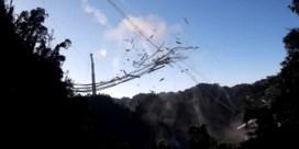 Beelden tonen moment waarop iconische Arecibo-radiotelescoop instort