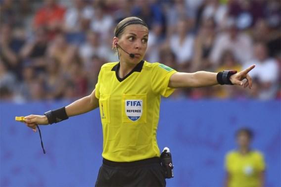 Stéphanie Frappart eerste vrouwelijke scheidsrechter in Champions League