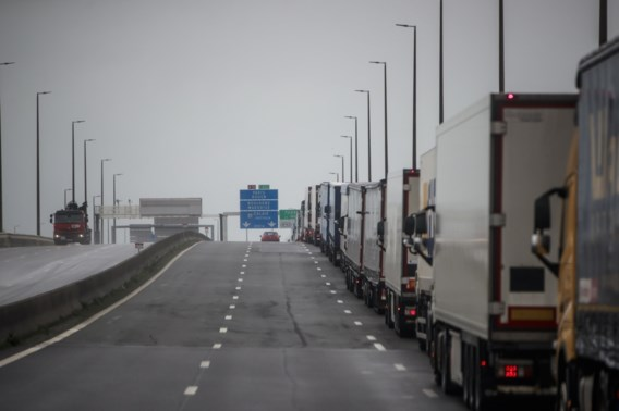 Brexitfile op de E40 aan de Franse grens