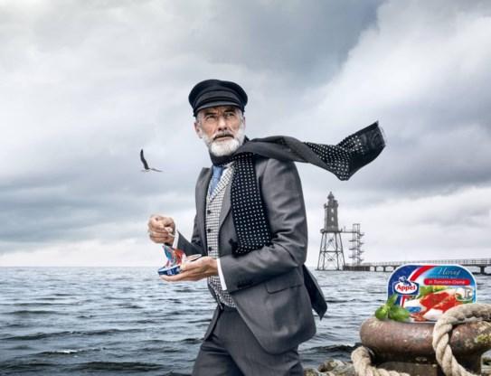 Een oude man met een baard en een pet is niet altijd Kapitein Iglo