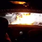 Belgische rallypiloot Maxime Potty ziet motor in brand slaan na botsing met rots in Monza