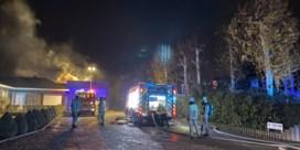 Hevige brand vernielt loods transportbedrijf