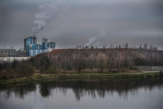 Greenpeace vindt sporen van radioactiviteit bij Umicore Olen en in Molse Nete