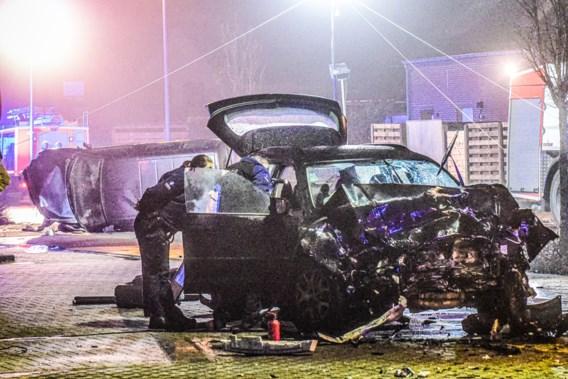 Aanrijder kaapt auto met vrouw en kleuter in na twee zware ongevallen op rij