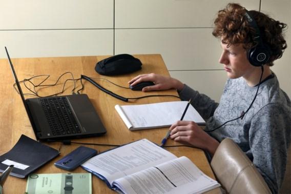 Examencommissie start grootschalige reeks online examens