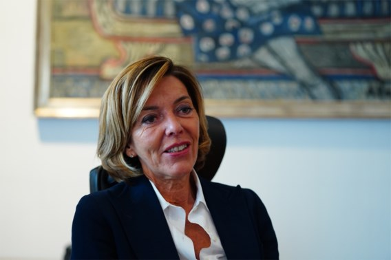 Oost-Vlaamse gouverneur: 'Curve moet nu echt dalen'