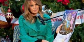 Melania Trump bezoekt kinderziekenhuis en negeert even de coronamaatregelen