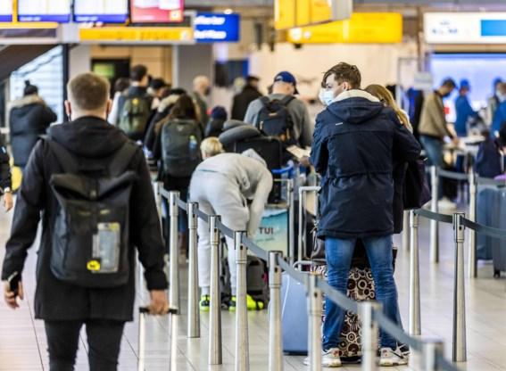 Nederland verbiedt vliegverkeer uit Verenigd Koninkrijk na mutatie coronavirus