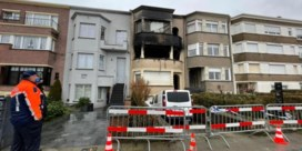 Koppel in levensgevaar en drie kinderen gewond na brand in flat